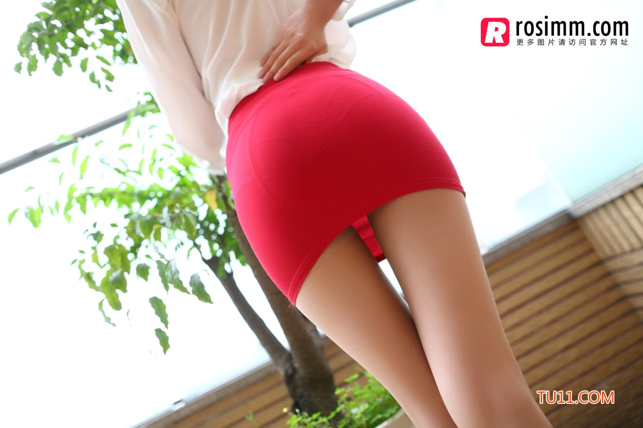 rosi858性感翘臀短裙美女