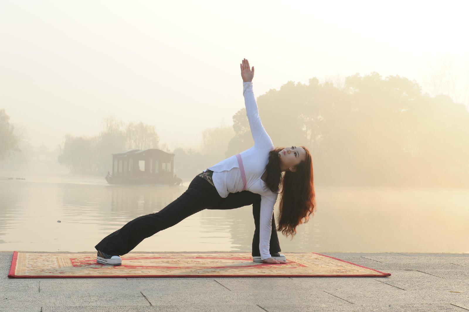 环境人像拍摄――瘦西湖瑜伽女