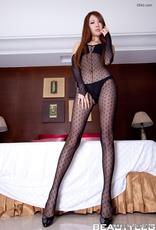 娇俏动人的内衣美女evenni吊带连身丝袜