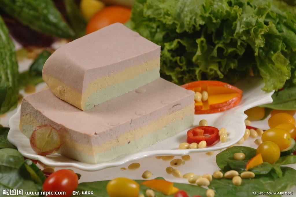 甘油500克(一斤),瘦白醋100克(二两),豆腐100克(二两),葱姜20克(四钱)蛋清淀粉猪肉蜂蜜图片