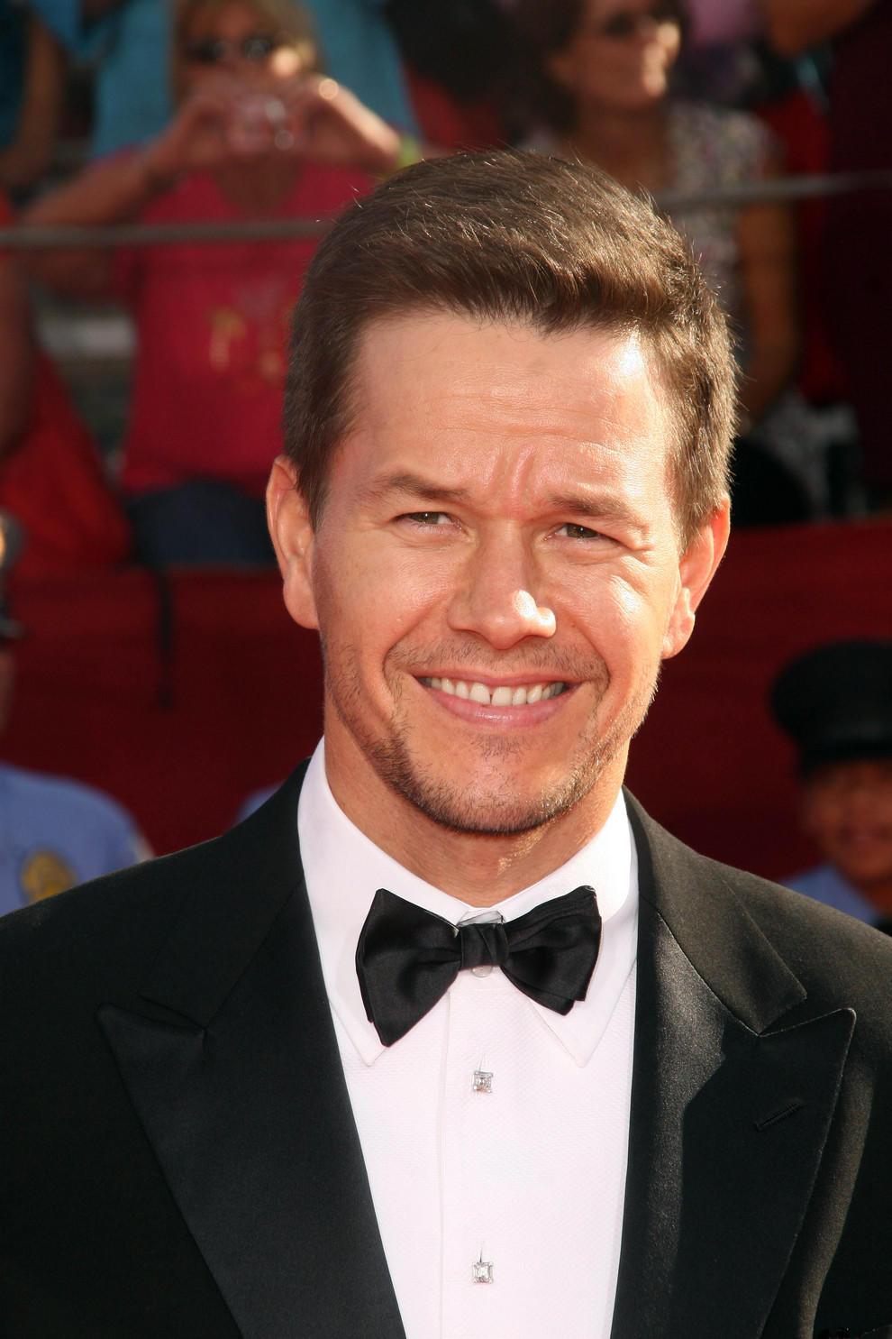 孤独的幸存者图�... Mark Wahlberg