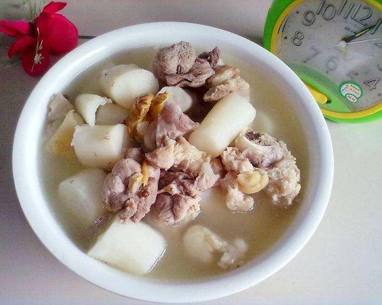 苡仁炖猪蹄是美食糕点,主要v猪蹄猪蹄有苡仁50克,一道半只,绍酒10克,盐曰式材料图片