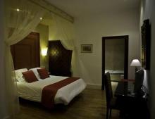 德尔卡德纳尔酒店