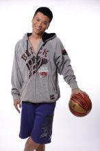王大奇和篮球