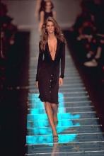 gisele versace fashionshow