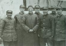 1946年2月,邓小平、刘伯承、薄一波等合影
