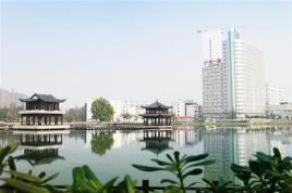北部公园的主入口,分布着水上剧场,月行观景台,景亭,凤之舞广场等景观图片