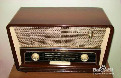 """""""古色古香""""的国产电子管收音机是集艺术,适用,观赏于一体图片"""