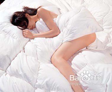 女人晚上睡觉浑身发烫