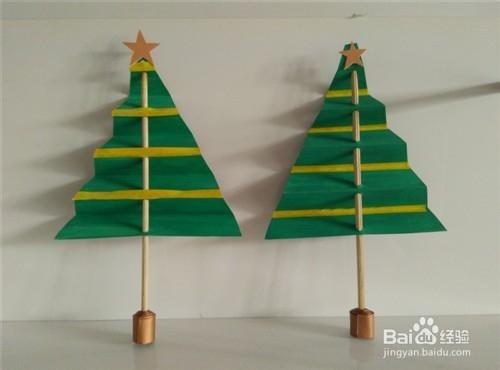 旧物改造:纸片制作创意圣诞树图片