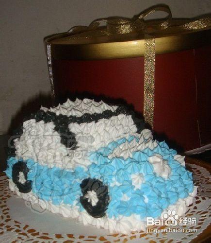 甲壳虫汽车裱花奶油蛋糕的做法