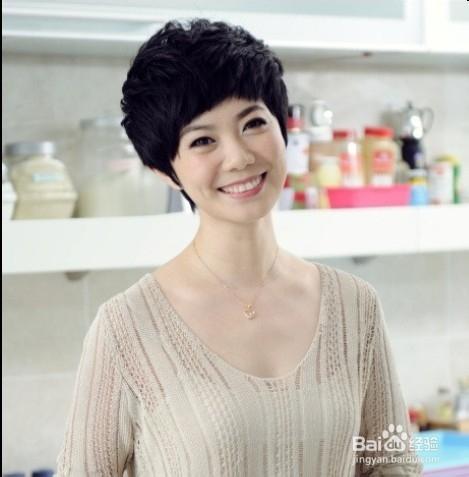 19 夏日最具人气日系女生蓬松短发烫发发型 7 2012.06.图片
