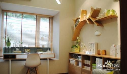 可以讲飘窗与书桌结合一体,增加书桌使用空间,而且采光好,适合小孩子图片