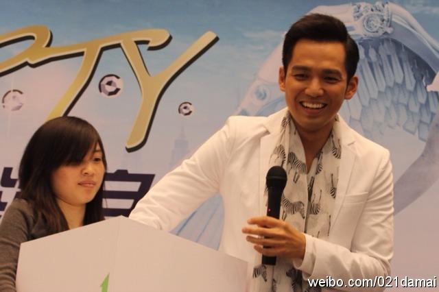 钟汉良 20110502上海演唱会启动仪式图片