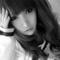 女生伤感个性黑白头像高清图片
