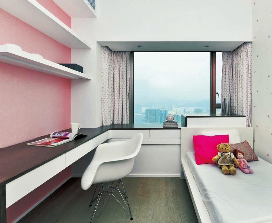 2013现代风格三居室创意粉色调次卧室兼书房飘窗装修效果图 高清图片