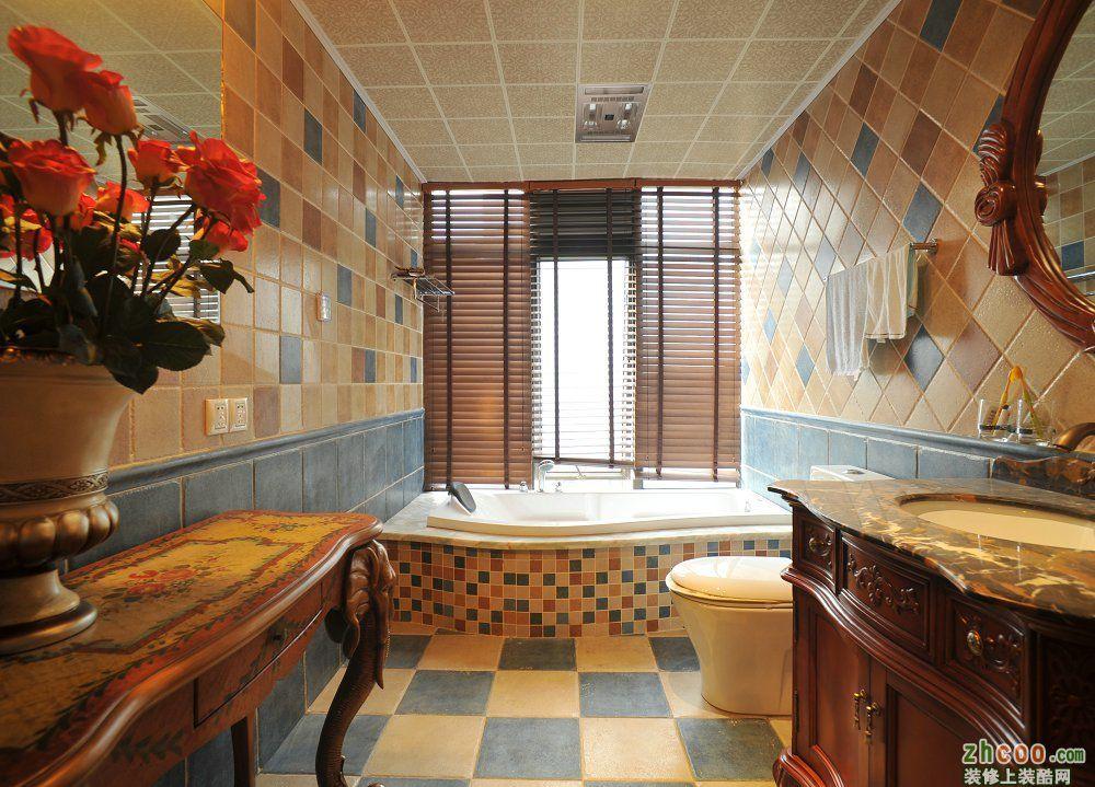 美式风格三居145平家居餐厅餐桌灯具花瓶装修效果图