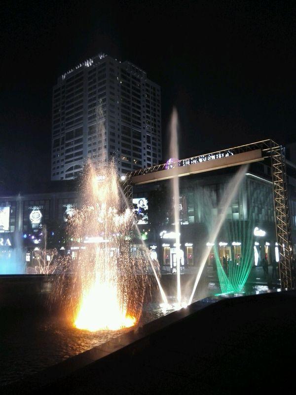 宁波天一广场音乐喷泉+水幕电影图片