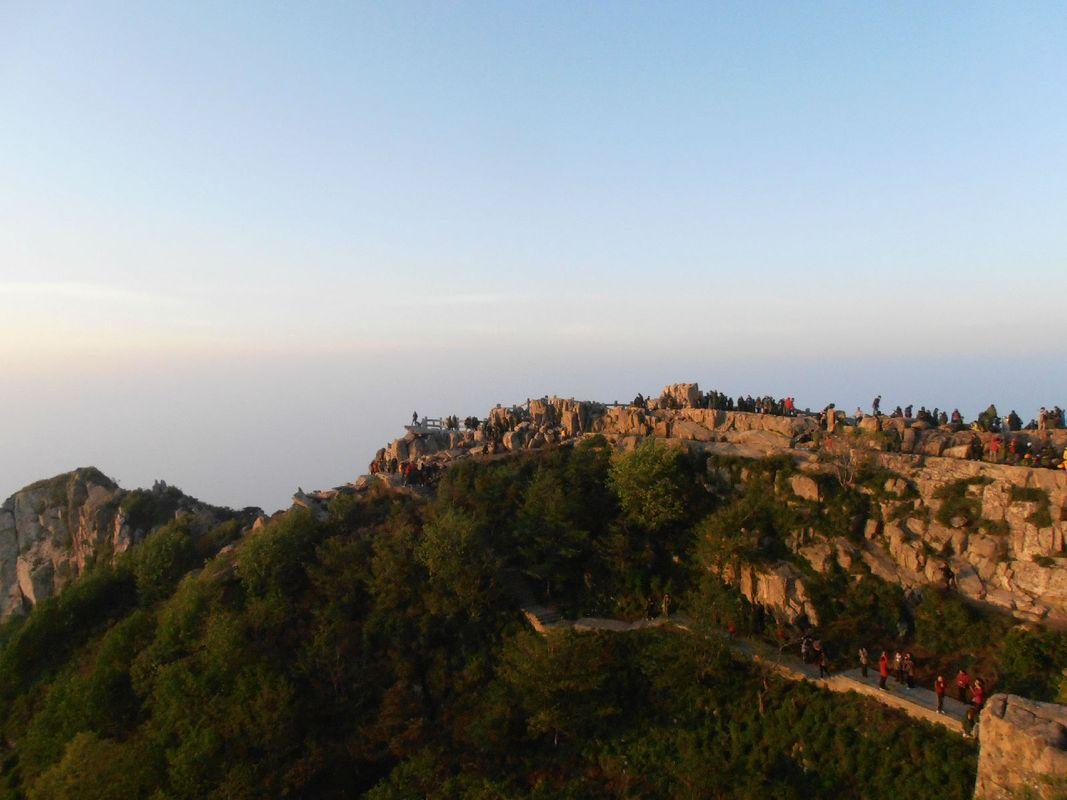 泰山夜爬山顶上的日出_旅行画册旅行图片_百度旅游图片