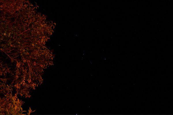 夜晚的�:-�_诺邓安静的夜晚图片