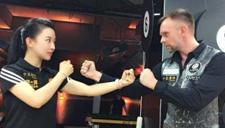 潘晓婷首秀格斗新技能 进军UFC提升颜值?