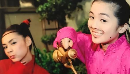 蔡卓妍晒Twins十几年前旧照