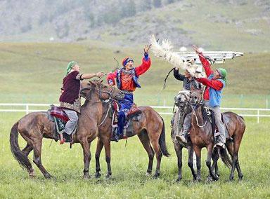骑马成新疆阿勒泰学生必修课
