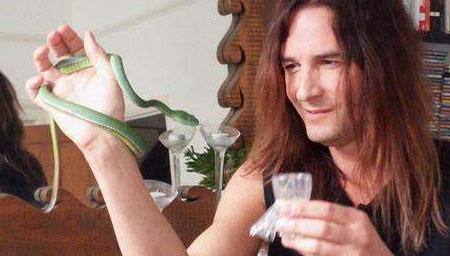 男子30年不断在体内注射蛇毒竟然拥有这种超能力