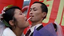 每日一囧: 纯情男女在结婚典礼上的初吻