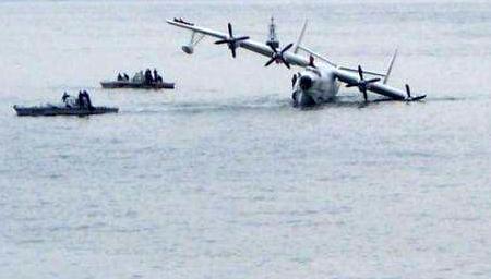 恐怖!空军战机坠海瞬间