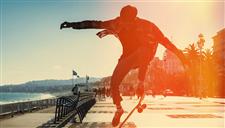 滑板达人悉尼街头游走 极限运动艺术气息相溶