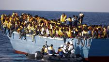 意大利救援人员从地中海救起6500名偷渡者