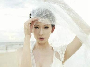曝林志玲欧洲拍婚纱照 疑婚期将近