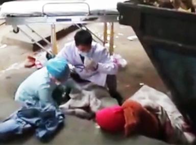 女子垃圾堆旁产子医生救治遭其阻挠