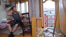 沈阳回迁小区出意外 三住户阳台掉落