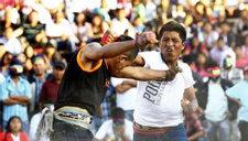 秘鲁举行打架节 男女老少赤膊上阵打架迎新
