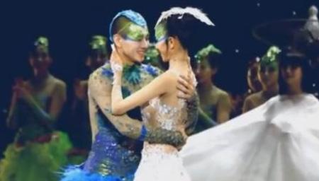 60岁杨丽萍跳舞
