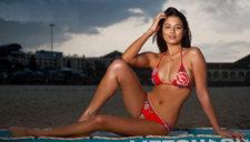 混血嫩模杰西卡·戈麦斯性感泳装写真