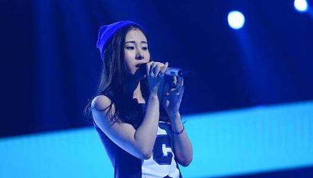 张碧晨现场清唱这首歌,歌声很动听,全场震惊