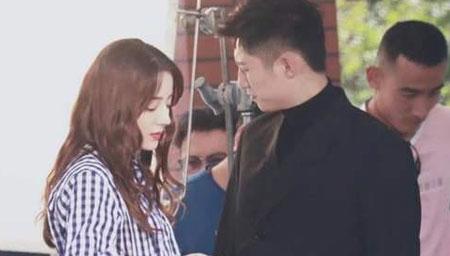 曝迪丽热巴与黄景瑜热恋