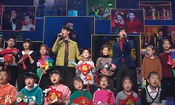 王凯杨洋献唱《我的春晚我的年》