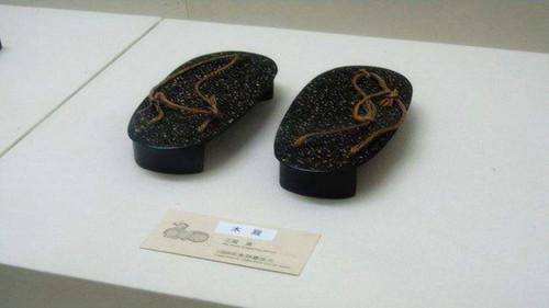 中国发现一座三国墓葬,里面出土一宝物,日本人见了既羡慕又尴尬