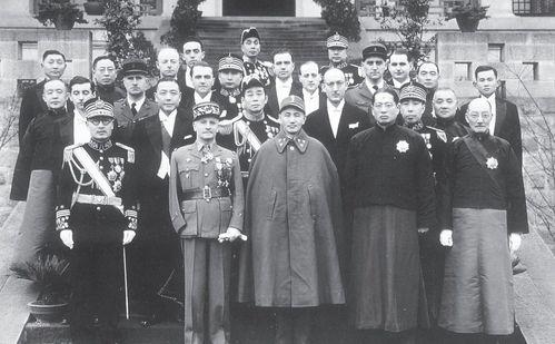 宁为亡国奴不肯放过红军!九一八事变后蒋介石为何不肯抗日,继续围剿红军?