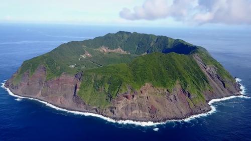 日本最奇异之地!这里有一群住在火山口里的东京人【寰球大百科289】