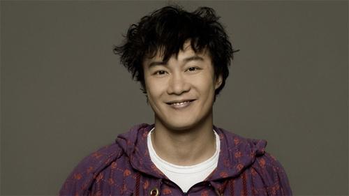在鸟巢开过演唱会的歌手,陈奕迅王力宏一票难求,他却倒赔1100万