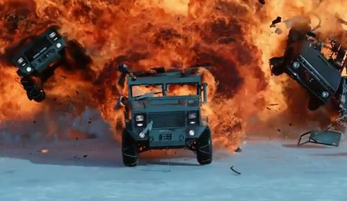 《速度与激情8》首映:豪车战核艇,杰森斯坦森力挺