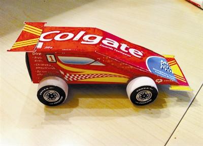 小汽车模型方法图解   幼儿园环保手工制作小汽车   用纸盒做高清图片