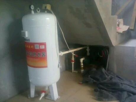 自吸泵,都需要有水流通过才会触发泵机工作,,你可以选择无塔供水,就一图片