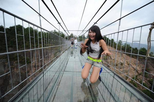 有玻璃桥的地方是哪儿