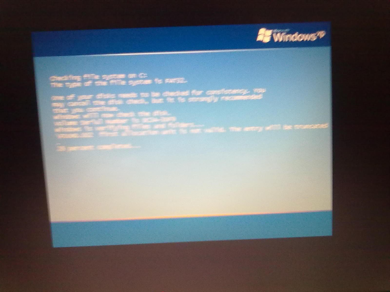 笔记本电脑开机后不显示桌面图标或任务栏怎么解决图片